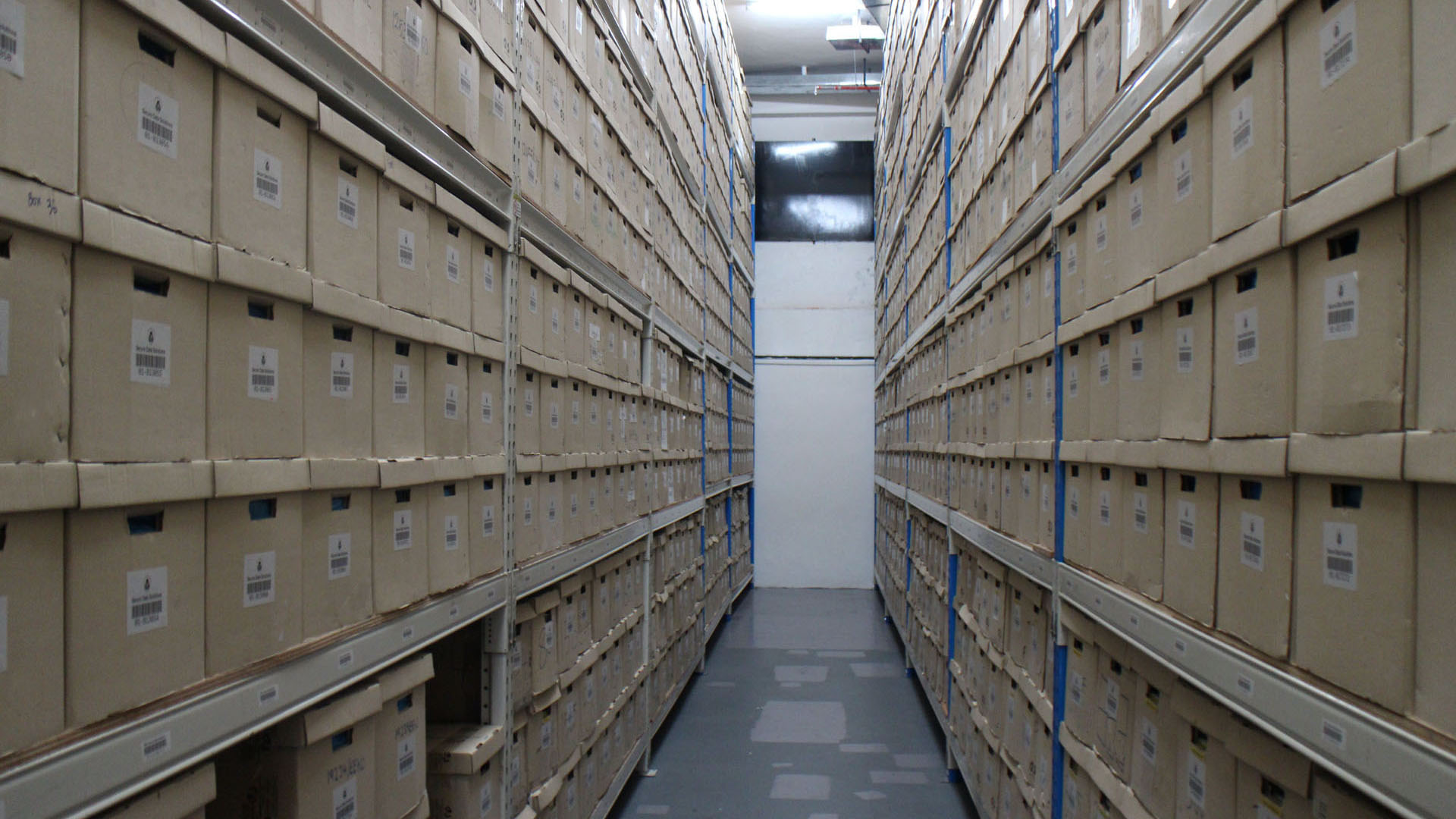 Using Office Storage Solutions to Keep Your Work Area Systematic